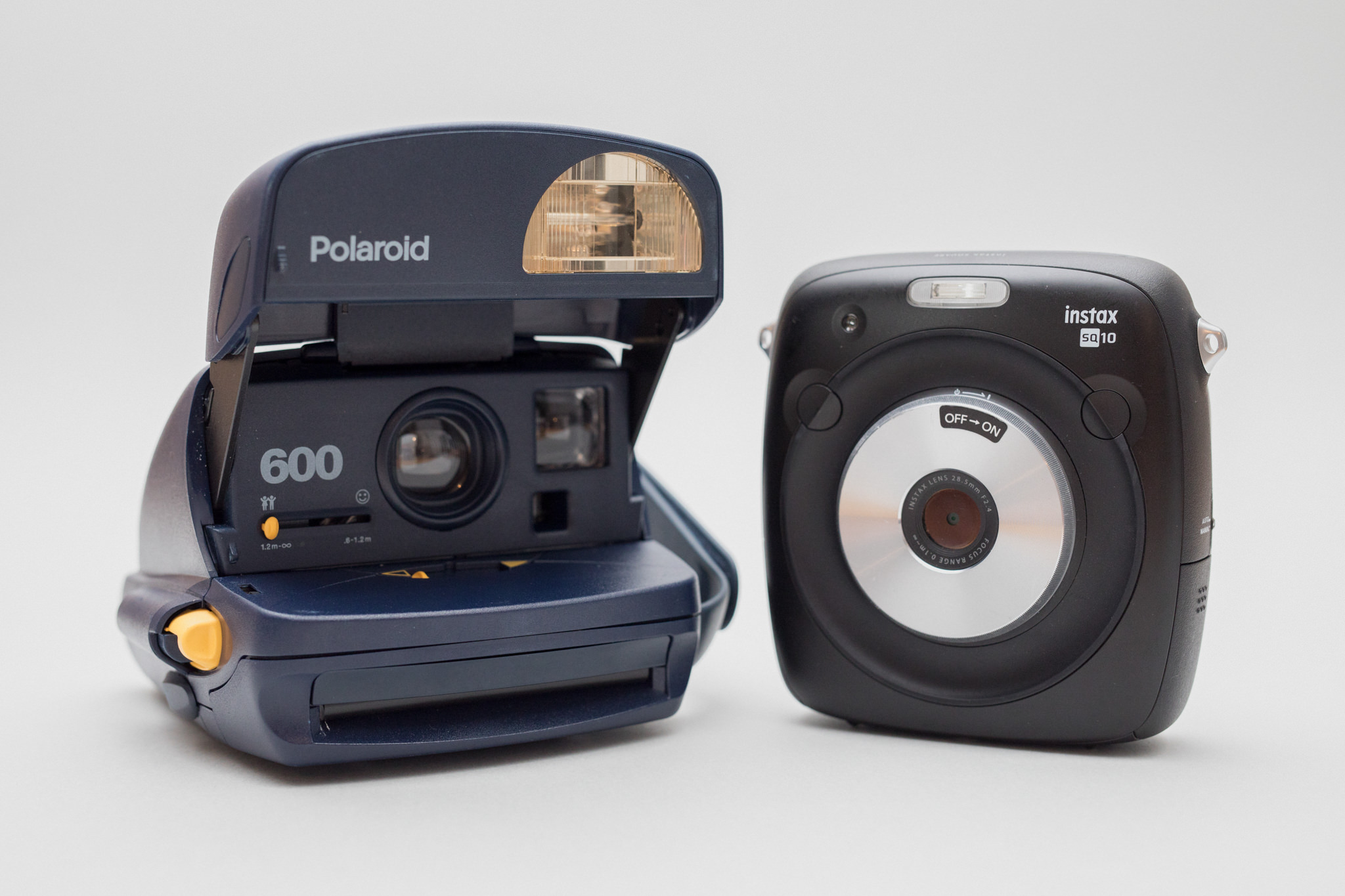 Fujifilm Instax SQ10 Square vs Polaroid 600 und Impossible Film