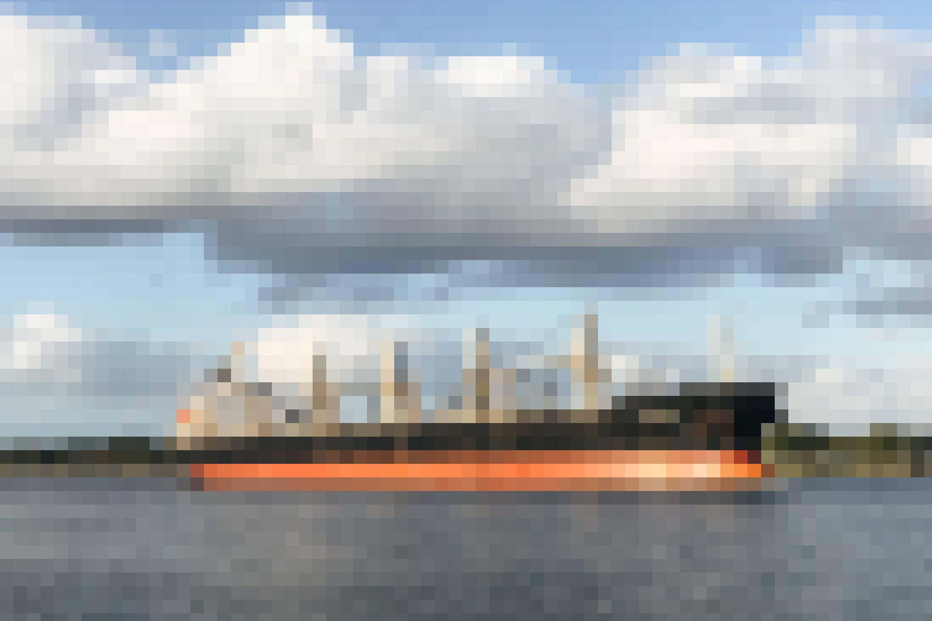 Bild eines Frachtschiffes, das in Photoshop verpixelt wurde
