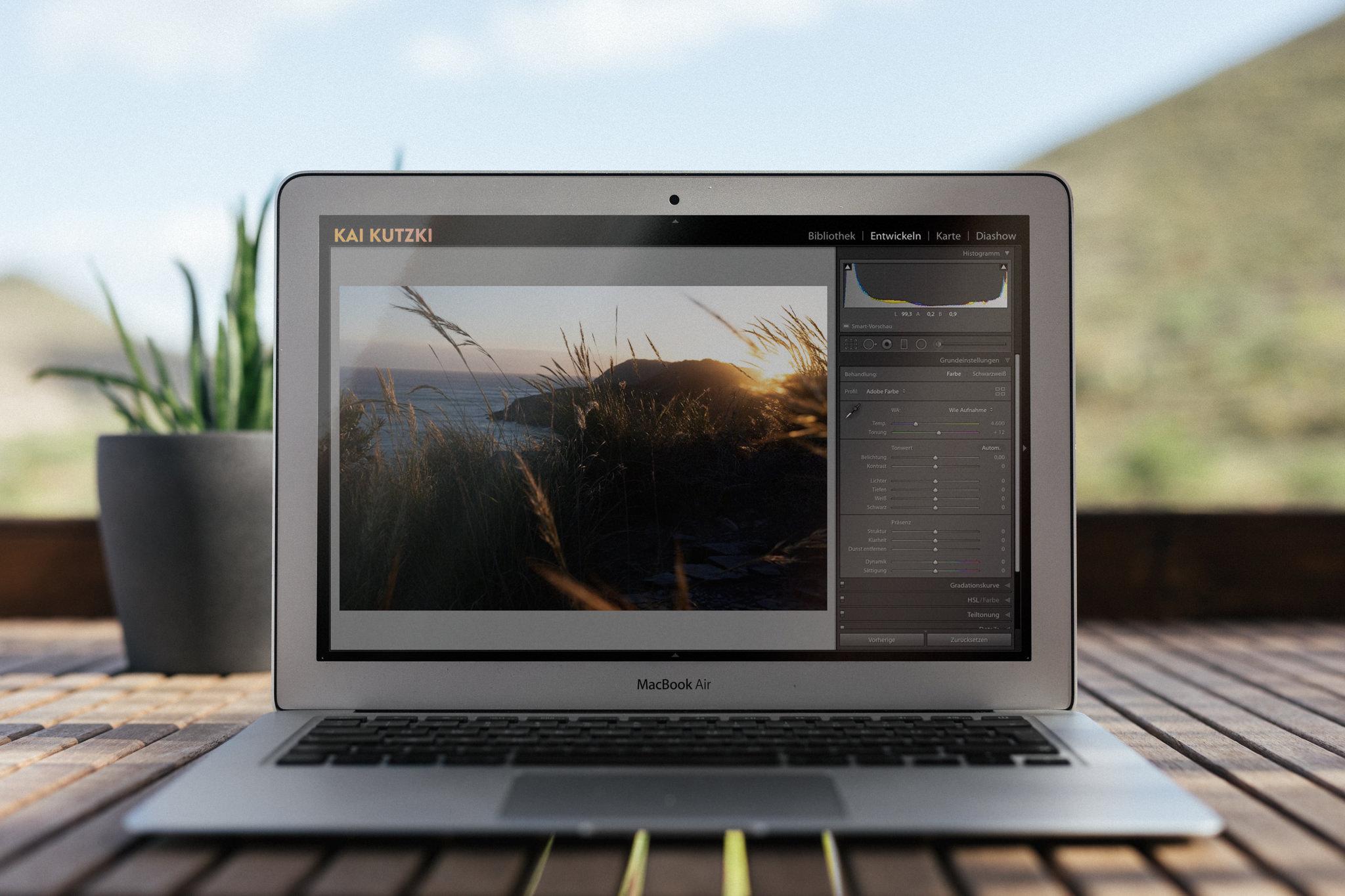 Foto von einem Laptop mit Lightroom Classic
