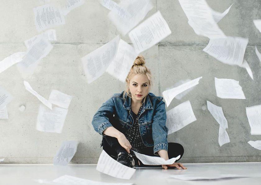 Julia Engelmann fotografiert von Marta Urbanelis